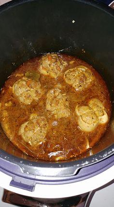 Accompagné de pâtes ou de riz, voici la recette de paupiettes de porc à la sauce basque par So Céline qui la partage avec nous ;) J'espère que vous allez é