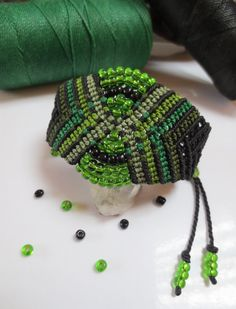 Black and Green Wristband Bracelet with Color por PapachoCreations