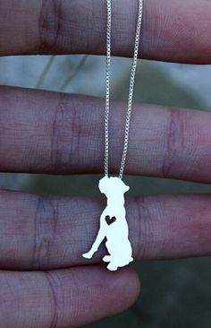 "Nothing says ""I love my Boxer"" like our new Boxer pendant! Do you love your boxer? Show it with this pendant! Limited time 50% off sale! Get yours while it lasts Material:Zinc Alloy Chain Type: Twiste"