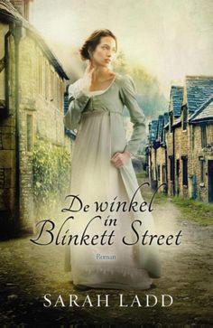 'De winkel in Blinkett Street' van Sarah Ladd: in het Engeland van het begin van de negentiende eeuw, zetten twee jonge mensen zich af tegen hun afkomst. Camille Iverness is een eenvoudig winkelmeisje, maar ze heeft het hart en de charme van een echte dame. Sinds haar moeder hun in de steek heeft gelaten, zorgt ze voor haar familie en houdt ze hun sjofele curiositeitenwinkel draaiende. Maar een verraderlijke daad gooit roet in het eten en dwingt Camille haar toekomst in de handen van een…