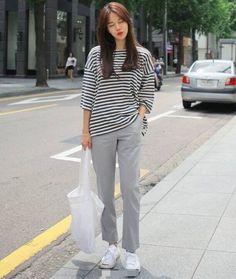 Korean Street Fashion, Korea Fashion, Asian Fashion, Look Fashion, Daily Fashion, Everyday Fashion, Girl Fashion, Minimal Outfit, Minimal Fashion