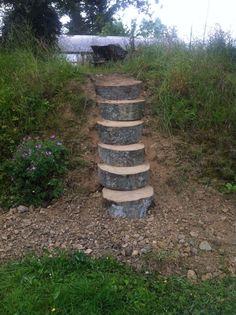 garten spielplatz Beech steps from fallen tree Landscape Stairs, Landscape Design, Garden Design, Terraced Backyard, Hillside Landscaping, Sloped Yard, Sloped Backyard, Outdoor Projects, Garden Projects