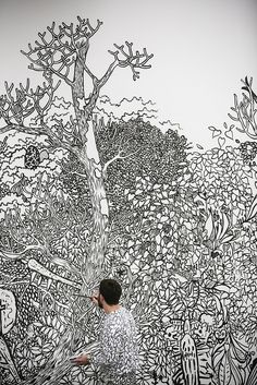 - 10 jaar ) Ingo Giezendanner making his walldrawing 'Grrrr' in camouflage :) Gravure, Designer Wallpaper, Camouflage, Centre, Graffiti, Bedrooms, Collage, Walls, Tapestry