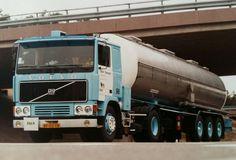 Volvo F12 4x2 met tankoplegger van H&S te Barneveld