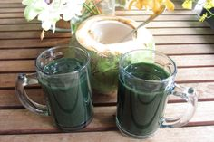 A great pre-workout drink - Coconut water and 1/2 teaspoon spirulina powder. Coconut water is Potassium-rich and nature's best isotonic drink. Spirulina is a protein-rich algae that contains 8 essential and 10 non-essential amino acids, potassium, energy giving B vitamins such as B1, B2, and B6, and magnesium, a mineral essential for energy. If you can't stand the taste of spirulina, just take 500mg tablets and down them with the coconut water.