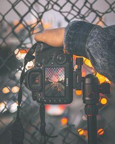 Necessary Photography Gear Canon - Fotografie - Fotografia Landscape Photography Tips, Photography Gear, Creative Photography, Amazing Photography, Nature Photography, Photography Aesthetic, Art Photography Portrait, Photography Backdrops, Vintage Photography