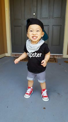 Rylan Isaiah rocking a $3 H&M scarf, #hipster tee from Cents of Style, Target shorts and Converse sneakers. Follow LeFrugalCloset on Instagram for more frugal fashion finds