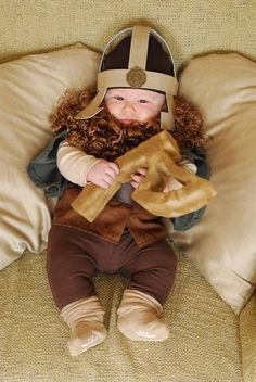 Gimli (Lord of the Rings). Cute baby cosplay costume.