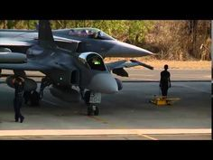 Pitch Black 2014 - Australian Thailand and Singapore Air Forces - YouTube