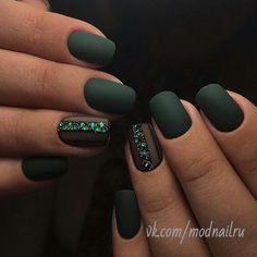 Маникюр, ногти, зеленые ногти, матовые ногти, матовый зеленый маникюр, квадратные ногти