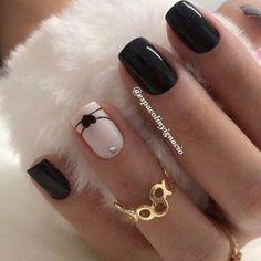 yellow and gold nails / gold yellow nails ; yellow and gold nails ; yellow and gold acrylic nails ; yellow nails with glitter gold ; yellow nails with gold Trendy Nails, Cute Nails, My Nails, Kylie Nails, Natural Acrylic Nails, Natural Nails, Solid Color Nails, Nail Colors, Gradient Nails