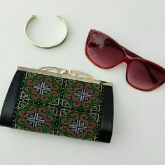 """~HP Classic & Cool~  Black Boho Hard Clutch """"HOST PICK"""" Classic & Cool. Cute & Trendy. Perfect for Summer. Normal Condition.  Scratching On The Gold Trim Of Hardware.  > MEASUREMENTS  Length; 6 1/2"""" Height : 4"""" Width: 1 1/2""""  Please Ask Questions Before Purchasing  ALL SALES ARE FINAL  NO TRADES NO PAYPAL  NO HOLDS NO LOW BALL OFFERS Bags Clutches & Wristlets"""