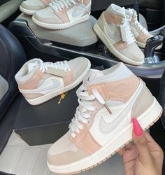 Jordan Shoes Girls, Girls Shoes, Air Jordan Shoes, Cool Shoes For Girls, Cheap Cute Shoes, Jordan Outfits, Souliers Nike, Nike Shoes Air Force, Aesthetic Shoes