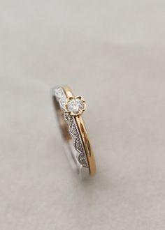 Thora Flower ring i gult guld : Annette Tillander Webshop