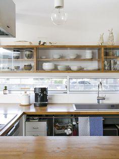 施工例_18|ソラマド香川 Home Bar Areas, Kitchen Dining, Kitchen Cabinets, Kitchen Collection, House Rooms, Home Kitchens, Interior Architecture, New Homes, Loft