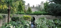 Arundel Castle is a place that captures the imagination, as was apparent from the small children dressed up as Medieval kings and queens! Arundel Castle, William The Conqueror, Walled Garden, Castle Wall, Medieval Castle, England Uk, Ancestry, Garden Inspiration, Old Houses