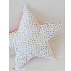 Image de Coussin étoiles dorées - Collection Constellation de damassé et Dentelle Pour Les Triplettes