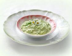 Bärlauch-Dip - Rezept - ichkoche.at Guacamole, Mexican, Ethnic Recipes, Dips, Food, Dip Recipes, Food Food, Sauces, Dip
