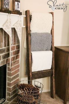 DIY: Blanket Ladder Tutorial - easy project, using 2 x 4's, costs $10 to build. Def need to make one of these...maybe 2? one for the bed room, one for the living room?