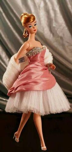 Barbie in a gorgeous Dressmakers Details Barbie Style, Barbie Y Ken, Vintage Barbie Dolls, Barbie Dress, Barbie Clothes, Dress Up, Pink Dress, Manequin, Moda Retro
