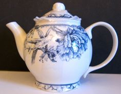 222 FIFTH ADELAIDE BLUE TEAPOT.   GORGEOUS!  BEAUTIFUL COLOR!  Brand New!