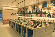 Mrs. SHOPFITTER - Sneakers & co, barcelona #store