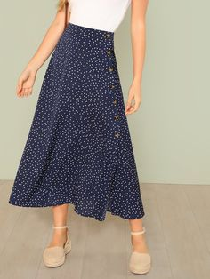 To find out about the Polka Dot Slit Side Skirt at SHEIN, part of our latest Skirts ready to shop online today! Ropa Upcycling, Modest Outfits, Cute Outfits, Modest Clothing, Fashion Models, Fashion Outfits, Women's Fashion, Cheap Fashion, Modest Fashion