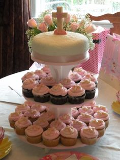 First Communion Cake/cupcakes For my daughter's First Communion. The theme for everything was pink and white. Cake is covered in. First Communion Banner, First Holy Communion Cake, First Communion Decorations, Première Communion, Girls First Communion Dresses, Confirmation Cakes, Occasion Cakes, Girl Cakes, Cupcake Cakes