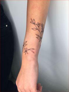 Wrap Around Wrist Tattoos, Wrap Around Tattoo, Simple Wrist Tattoos, Flower Wrist Tattoos, Wrist Tattoos For Women, Ankle Tattoos, Vine Tattoos, Body Art Tattoos, Small Tattoos