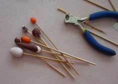 Make your own polymer tools! Many other great tutorials here - in German