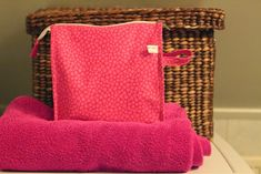 Melkein kuin uusi: Toilettilaukku: DIY Handicraft, Weaving, Diy Crafts, Purses, Fun, Blog, Craft, Handbags, Arts And Crafts