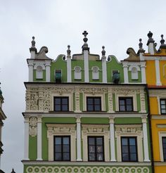 Wilczek house, one of the so-called Armenian Houses in Zamość. It was built in 1603 for Hans Kuntz Barthel, a patrician from Gdańsk in the style of so-called Lublin Renaissance. Later acquired by Adam Burski, a professor at the Zamość Academy and in 1655 by Jan Wilczek, a councillor of Zamość and his wife Marianna, who reconstructed the house in 1665 and between 1673-1676. © Marcin Latka #17thcentury #artinpl #zamosc #lublinrenaissance #armenian #mannerist #basrelief #frieze #reliefs #attic 17th Century, Attic, Professor, Renaissance, Houses, Mansions, House Styles, Building, Loft Room