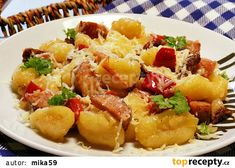 Gnocchi, Fruit Salad, Potato Salad, Pork, Potatoes, Treats, Ethnic Recipes, Sweet, Kale Stir Fry