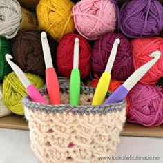 With everything from tiny house TV shows to viral videos of hamsters eating miniature birthday cakes, small-scale items are in right now. This Itty Bitty Crochet Basket Pattern uses the crochet cable stitch to make an easy and adorable project. All Free Crochet, Crochet Home, Easy Crochet, Knit Crochet, Crochet Kitchen, Irish Crochet, Crochet Afghans, Crochet Squares, Crochet Basket Pattern