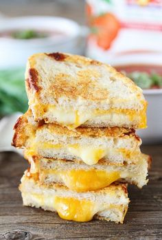 Three Cheese Grilled Cheese-this triple cheese grilled cheese sandwich is perfect for dunking...