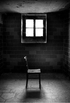 artizan3:  lonley_chair_by_Torsten_Hufsky.