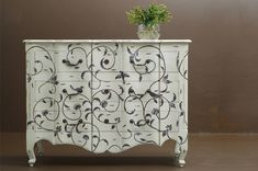 old dresser ideas | ... simple, budget-friendly ways to give old furniture a fresh new look