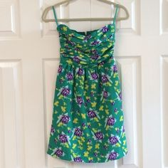 Gap sundress Strapless green print dress. Gently washed and worn. No rips or stains. GAP Dresses Strapless
