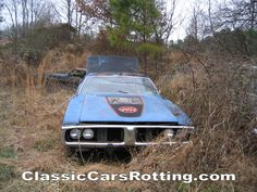 I had one JUST like this.....God I sure do miss my BEE classic cars rotting | Classic cars rotting-Junkyard