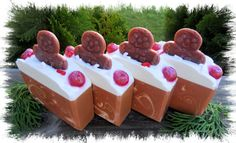 **Ships 10-20-13 due to cure time.All of Santa's favorite goodies!  These big bars are not a typical bakery scent.  They are a house blend of spiced sour-dough sweet bread with notes of milky butter cream, pastry, caramelized sugar, raisins, spicy cinnamon