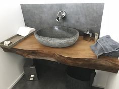 Rustic Bathrooms, Modern Bathroom, Small Bathroom, Wc Design, House Design, Bathroom Interior Design, Interior Design Living Room, Spanish Home Decor, Powder Room Design