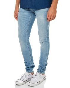 Lichte nudie jeans #capsule #wardrobe #capsulewardrobe #nukuhiva #duurzaam #fairfashion #amsterdam #utrecht