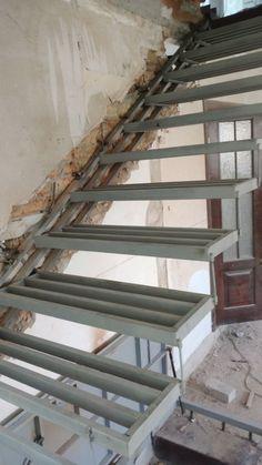 Modern Stair Design Decor Idea Modern Stair Design Decor Idea – Decor is art Staircase Design Modern, Stair Railing Design, Home Stairs Design, Modern Stairs, Interior Stairs, Modern House Design, House Staircase, Staircase Railings, Cantilever Stairs