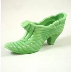 """$16.50 6"""" Cat Slipper - Chameleon Green -  Fenton Art Glass 2008 Collection"""