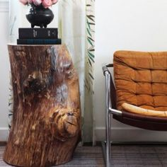 Дерево в интерьере: аксессуары и мебель из пней   Фото Table, Furniture, Home Decor, Homemade Home Decor, Mesas, Home Furnishings, Desk, Decoration Home, Tabletop