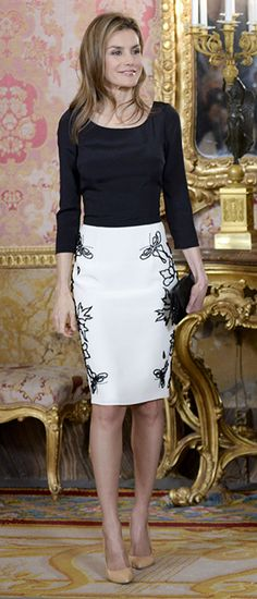 Princess Letizia of Spain wearing the perfect pencil skirt via @wiesje12. #skirts #pencilskirts