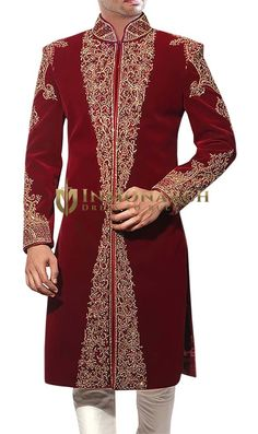 INMONARCH Mens Embroidered Groom Maroon Sherwani Indian wedding reception designer mens sherwani made from maroon color velvet fabric. Sherwani For Men Wedding, Wedding Dresses Men Indian, Sherwani Groom, Mens Sherwani, Wedding Dress Men, Wedding Suits, Wedding Wear, Dream Wedding, Indian Men Fashion