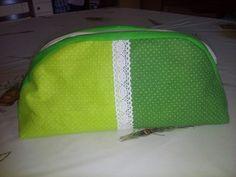 Zöld neszeszer