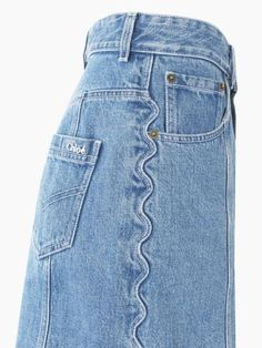 source: Chloe year: 2017 brand: Chloe why: I have never seen a seam like this, but it is so creative! A great detail to add to denim. Chloé Mini Skirt, Women's Ready To Wear Denim Fashion, High Fashion, Fashion Outfits, Womens Fashion, Fashion Trends, Chloe Fashion, Estilo Jeans, Mode Jeans, Denim Ideas