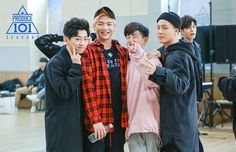 And when Ong Seongwoo is a photo bomber. Dude close your mouth. Cute Boys, My Boys, Ong Seung Woo, Produce 101 Season 2, Street Dance, Modern Dance, Now And Forever, Korean Celebrities, Korean Men